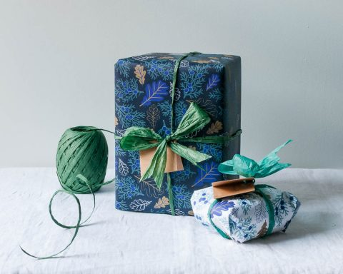Oak leaf wrapping paper design