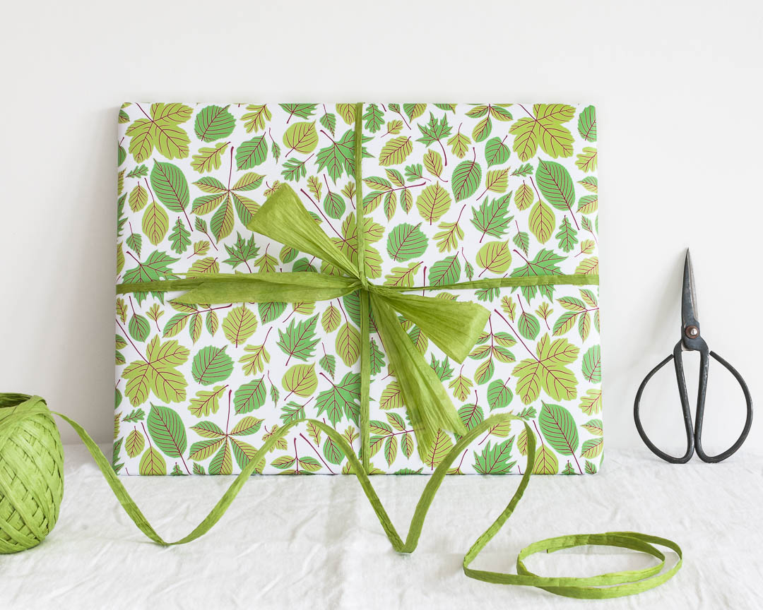 Green leaf wrapping paper by Persephone Coelho
